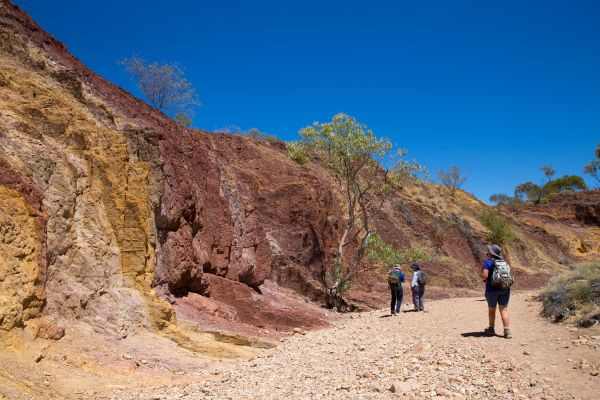 Ochre Pits - Larapinta Trail - Australie - Graham Michael Freeman/World Expeditions/Great Walks of Australia