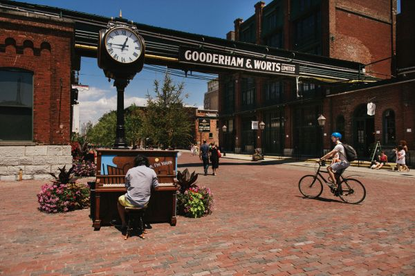 Distillery District - Toronto - Ontario - Canada - Hubert Kang/Commission canadienne du tourisme