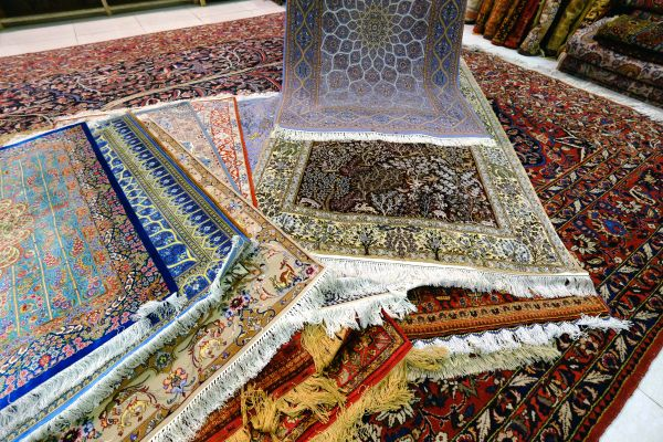 Marchand de tapis - Ispahan - Province d'Ispahan - Iran - Maryline Goustiaux