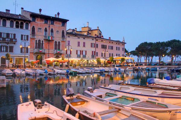 voyage d couverte r gion des lacs italie voyage italie comptoir des voyages. Black Bedroom Furniture Sets. Home Design Ideas