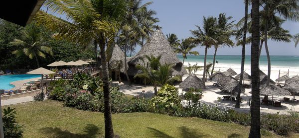 Pinewood Village Beach Resort - Ukunda - Kenya - Pinewood Village Beach Resort / Private Safaris