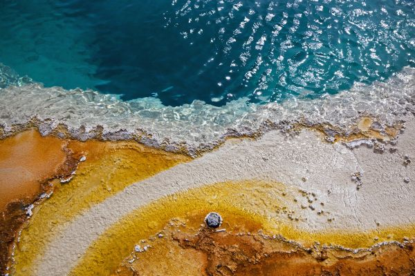 Hot spring Black Pool - Yellowstone National Park - Wyoming - Etats-Unis - Fotofeeling / AGE Fotostock
