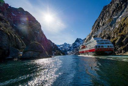 Bateau sur la côte norvégienne - Kirkenes - Comté de Finnmark - Norvège - Hurtigruten