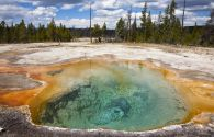 Firehole Spring - Yellowstone National Park - Wyoming - Etats-Unis - Fotofeeling / AGE Fotostock