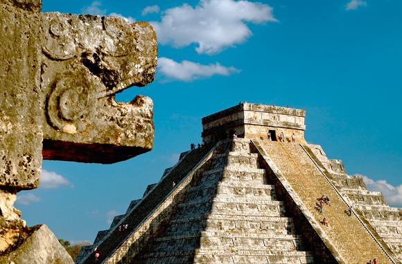 Pyramide de Chichen Itzá dans l'état du Yucatan – Mexique