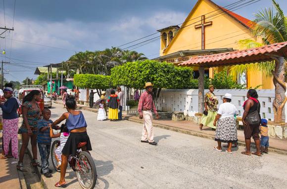 Livingston, village sur le bord de la mer des Caraïbes, Guatemala