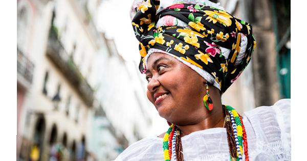 Bahianaise dans les rues de Salvador de Bahia - Brésil